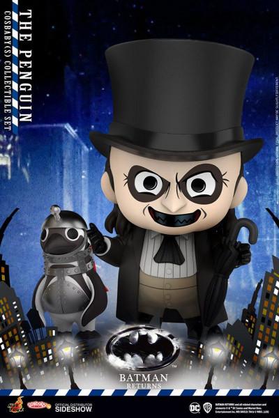 """Zu Tim Burtons """"Batmans Rückkehr"""" kommt diese niedliche Figur aus der """"Cosbaby""""-Reihe. Sie ist ca. 12 cm groß und wird inkl. Minifigur eines Pinguin geliefert."""