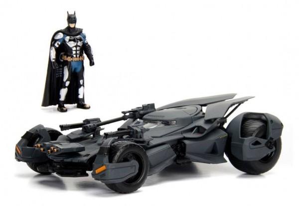 - Offiziell lizenziertes Diecast-Modell inkl. Diecast Batman-Figur- Maßstab: 1/24- Verpackung: Fensterbox