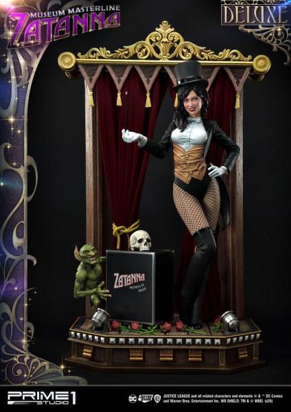 """Prime 1 Studio präsentiert diese fantastische Statue von Zatanna im Maßstab 1/3 aus """"Justice League Dark"""". Sie ist ca. 69,7 x 34 x 25,3 cm groß und wurde aus hochwertigem Polystone gefertigt. <br /><br />Das limitierte Sammlerstück wird mit ansprechender"""
