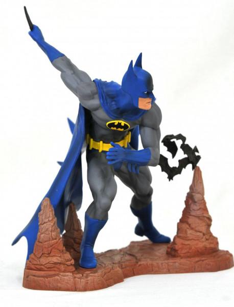 Aus Diamonds ´DC Gallery´ Reihe kommt diese coole PVC Statue. Sie ist ca. 28 cm groß und wird in einer Fensterbox geliefert.