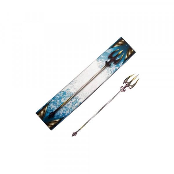 """Zum Film """"Aquaman"""" kommt diese qualitativ hochwertige Mini Replik aus Metall von Orms Dreizack.<br /><br />Größe: 30 cm"""