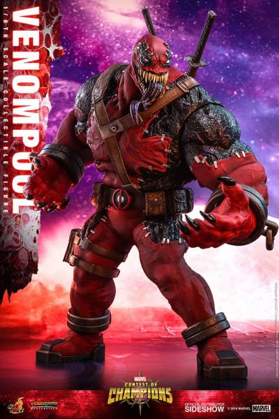 """Aus Hot Toys' luxuriöser """"Video Game Masterpiece""""-Reihe kommt diese großartige Actionfigur aus dem Videospiel """"Marvel: Contest of Champions"""". Die im Maßstab 1/6 gehaltene Figur ist ca. 37 cm groß und wird mit jeder Menge Zubehör und austauschbaren Teilen"""