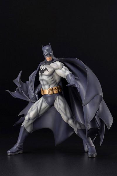 Aus der erfolgreichen ´ARTFX´ Reihe von Kotobukiya kommt diese Statue von Batman.<br /><br />Die detailreiche PVC Statue im Maßstab 1/6 ist ca. 28 cm groß.<br /><br />Die Statue muss in wenigen, einfachen Schritten zusammengesteckt werden und kommt im bed