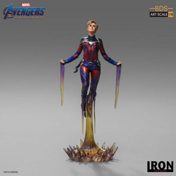 """Zum Marvel Blockbuster """"Avengers: Endgame"""" kommt diese offiziell lizenzierte Statue aus Resin. Die im Maßstab 1/10 gehaltene Statue ist ca. 26 cm groß und kommt mit passender Diorama-Base."""