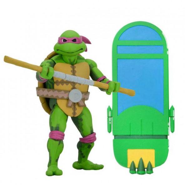 """Zum Videospiel """"Teenage Mutant Ninja Turtles: Turtles in Time"""" kommen diese detailreichen Actionfiguren. Sie sind ca. 18 cm groß und werden zusammen mit weiterem Zubehör in einer Fensterbox geliefert.Im Umkarton enthalten sind:- 3x Donatello- 3x Leonardo"""