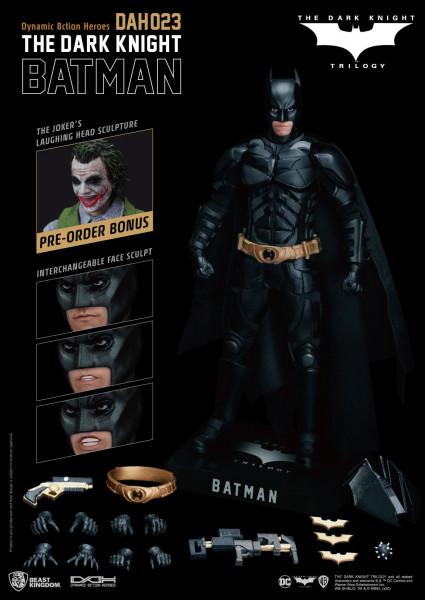 """Zum DC Blockbuster """"Batman The Dark Knight"""" kommt diese großartige Actionfigur im Maßstab 1:9 aus der """"Dynamic 8ction Heroes"""" Serie von Beast Kingdom Toys. Sie ist ca. 21 cm groß und wird mit weiteren Austausch- und Zubehörteilen in einer bedruckten Box g"""
