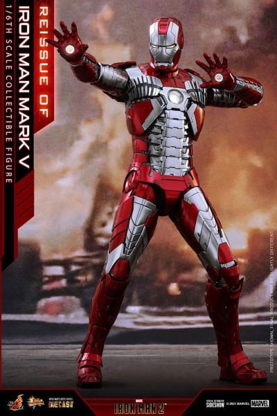 """Aus Hot Toys' luxuriöser """"Movie Masterpiece Series Diecast""""-Reihe kommt diese großartige Actionfigur aus dem Marvel Blockbuster """"Iron Man 2"""". Sie ist ca. 32 cm groß und kommt mit zahlreichen Austausch- und Zubehörteilen in einer schicken Fensterbox mit Sc"""