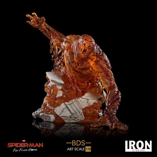 """Zum computeranimierten Film """"Spider-Man: Far From Home"""" kommt diese offiziell lizenzierte Statue aus Resin. Die im Maßstab 1/10 gehaltene Statue kommt mit passender Diorama-Base in einer bedruckten Sammlerbox."""