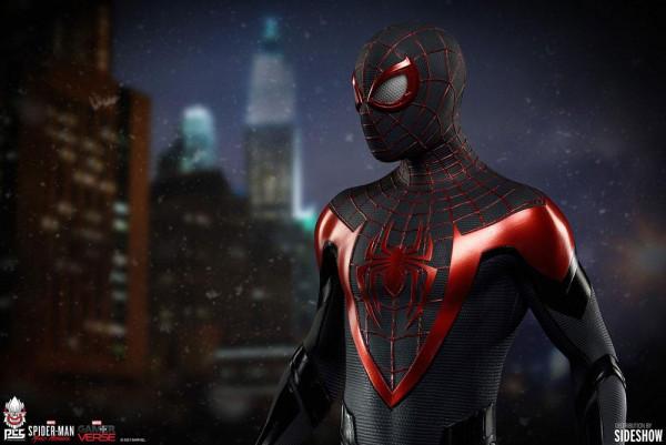 """Pop Culture Shock präsentiert diese herausragende Statue von Spider-Man aus dem Videospiel """"Marvel's Spider-Man: Miles Morales"""".<br /><br />Die hochwertige Polystone-Statue im Maßstab 1/3 ist ca. 75 x 30 x 28 cm groß und wird, styropor-geschützt, im bedru"""