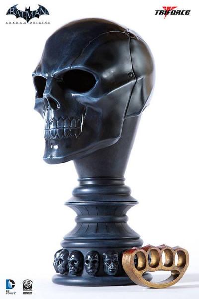 Zu `Batman Arkham Origins´ kommt diese detailreiche Nachbildung der von Val Kilmer getragenen Batman-Maske. Die im Maßstab 1/1 gehaltene Replik wurde bis ins kleinste Detail nachgebildet und ist aus Fiberglas hergestellt.Das reine Dekorationsobjekt (Maske
