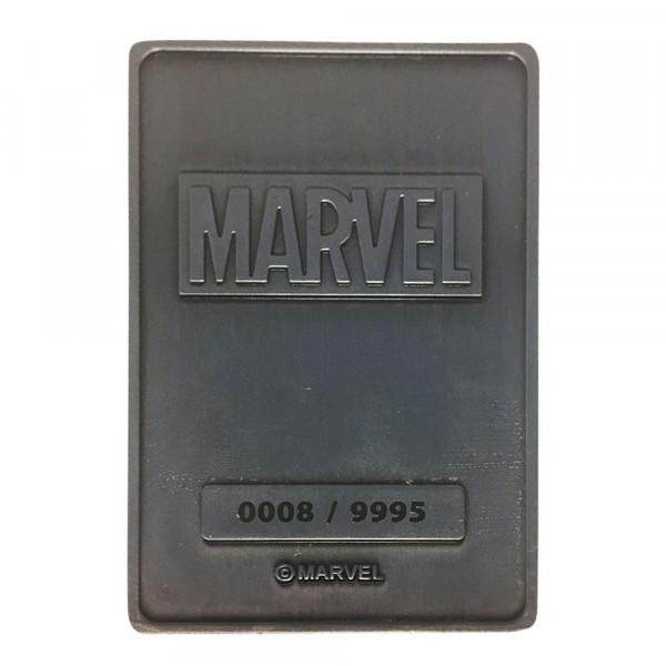 Offiziell lizenzierter Metallbarren. Das Sammlerstück ist auf 9995 Stück limitiert und nummeriert. Er ist 12,5 x 9 cm groß und wird inklusive einem Ständer in einer Fensterbox geliefert.