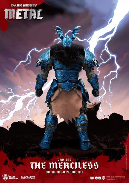 """Zu DC Comics kommt diese großartige Actionfigur im Maßstab 1:9 aus der """"Dynamic 8ction Heroes"""" Serie von Beast Kingdom Toys. Sie ist ca. 20 cm groß und wird mit weiteren Austausch- und Zubehörteilen in einer bedruckten Box geliefert. Sie verfügt außerdem"""