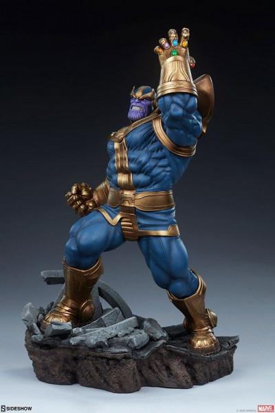 Aus dem Marvel Universum kommt diese aufregende Statue von Thanos im Maßstab 1/5 aus hochwertigem Resin. Sie ist ca. 58 x 35 x 28 cm groß und wird, styropor-geschützt, im bedruckten Karton geliefert. Sie verfügt außerdem über eine eingebaute LED Leuchtfun