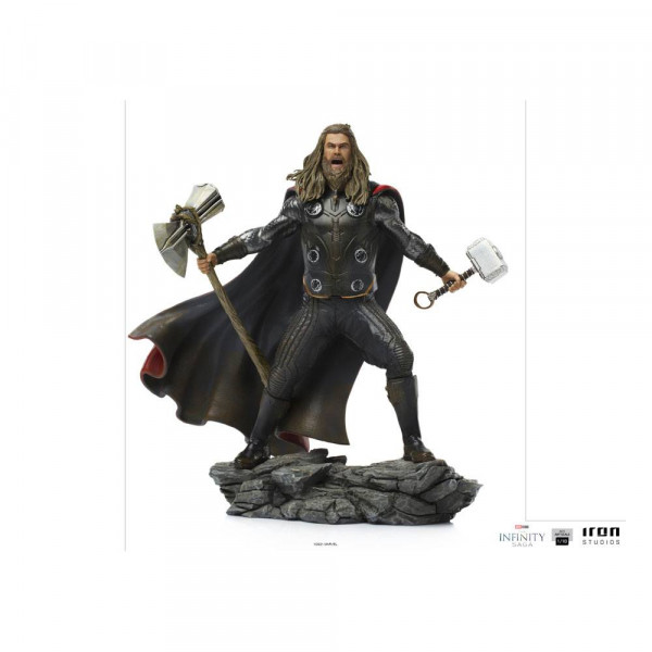 """Zum Marvel's """"The Infinity Saga"""" kommt diese detailreiche Statue aus hochwertigem Polystone im Maßstab 1/10. Sie ist ca. 23 x 25 x 15 cm groß und wird mit Base in einer Geschenkbox geliefert."""