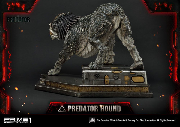"""Zum Action-Horror-Film """"Predator - Upgrade"""" kommt diese fantastische Statue vom Predator Hound. Das im Maßstab 1/4 gehaltene Sammlerstück ist ca. 45,5 x 43,7 x 75 cm groß und wurde aus hochwertigem Polystone gefertigt. Die Statue wird styropor-geschützt,"""