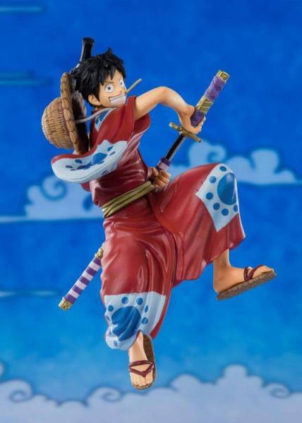 """Zum Manga/Anime """"One Piece"""" kommt diese detailreiche PVC-Statue aus Tamashii Nations """"FiguartsZERO""""-Reihe. Sie ist ca. 14 cm groß und wird in einer Fensterbox geliefert."""