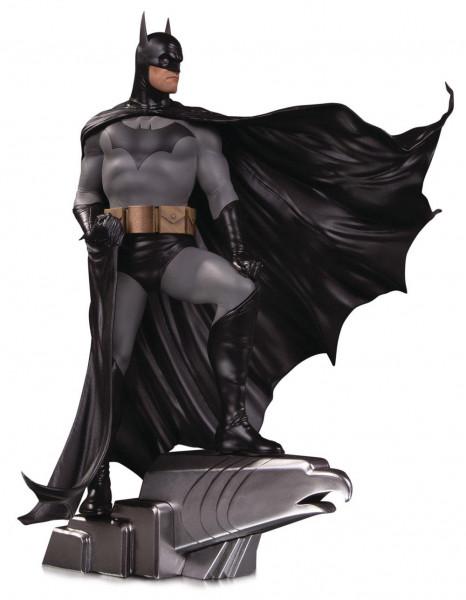 Aus der Reihe ´DC Comics Designer Series´ kommt diese großartige Resin-Statue nach einem Entwurf von Alex Ross. Sie ist ca. 35 cm gross und auf 5000 Stück limitiert.