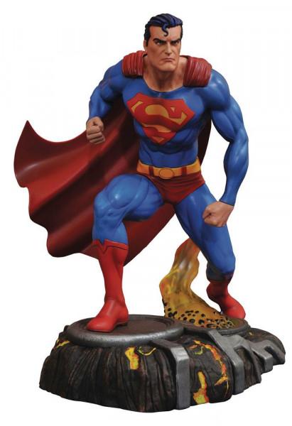 Aus Diamond´s ´DC Gallery´ Reihe kommt diese coole PVC Statue. Sie ist ca. 25 cm groß und wird in einer Fensterbox geliefert.