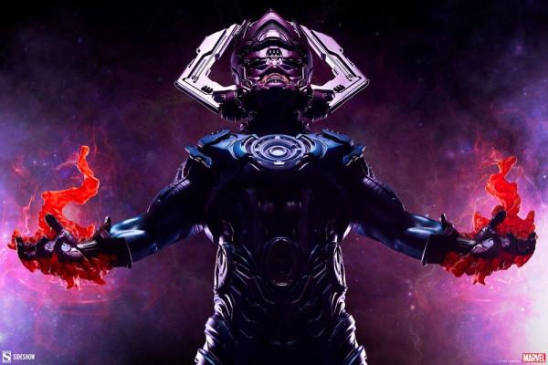 Sideshow präsentiert diese großartige Statue von Galactus aus hochwertigem Resin. Sie ist ca. 66 x 36 x 33 cm groß und wird inkl. Base, styropor-geschützt, im bedruckten Karton geliefert.<br /><br /><b>Wichtiger Hinweis:</b> Aufgrund der Größe des Artikel