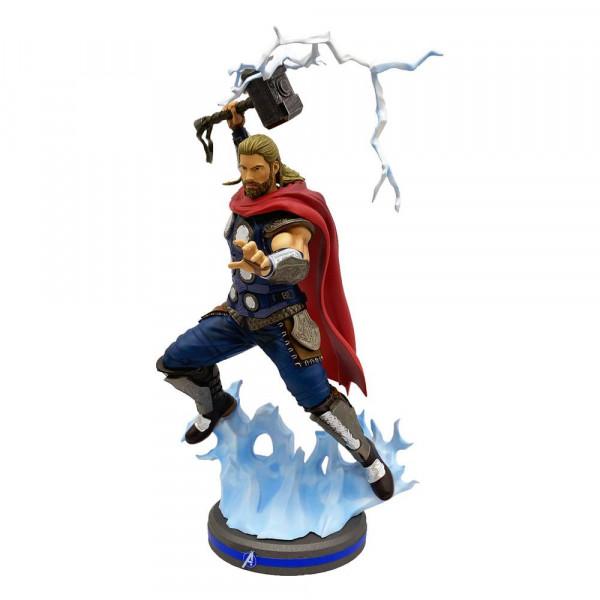 """Zum 2020er Marvel Videospiel """"Avengers"""" kommt diese coole Statue aus PVC im Maßstab 1:10. Sie ist ca. 24 cm groß."""