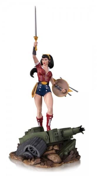 Aus ´DC Comics Bombshells´-Reihe kommt diese detailreiche Statue. Das handbemalte Sammlerstück aus hochwertigem Resin ist ca. 44 cm groß und auf 5000 Stück limitiert.