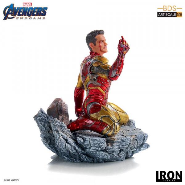 """Zum Marvel Blockbuster """"Avengers: Endgame"""" kommt diese offiziell lizenzierte Statue aus Resin. Die im Maßstab 1/10 gehaltene Statue ist ca. 15 cm groß."""