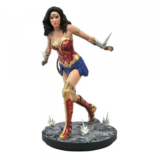 Aus Diamonds ´Gallery´ Reihe kommt diese coole PVC Statue. Sie ist ca. 23 cm groß und wird in einer Fensterbox geliefert.