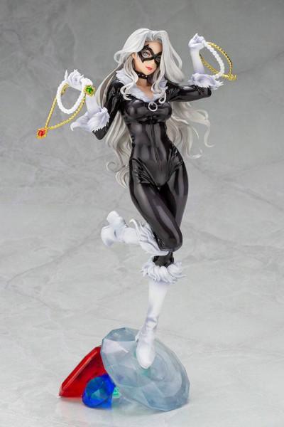 Aus Kotobukiyas beliebter ´Bishoujo´-Reihe kommt diese aufregende PVC Statue von Black Cat.<br /><br />Die von Shunya Yamashita entworfene Statue ist ca. 25 cm groß und wird mit ansprechender Base in einer Fensterbox geliefert.