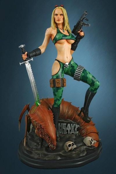 Zum weltbekannten Fantasy Magazin ´Heavy Metal´ kommt diese detailreiche Statue des Alien Marine Girl im Maßstab 1:4.  Die aus hochwertigem Polystone gefertigte sowie handbemalte Statue ist ca 54 cm groß und steht auf einer ansprechenden Base.  Weltweit l