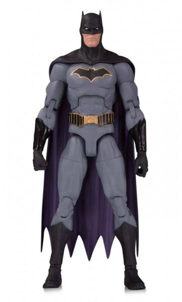 Aus DC Collectibles `DC Essentials´-Reihe kommt diese detailreiche Actionfigur. Sie ist ca. 18 cm groß und wird mit weiterem Zubehör geliefert.