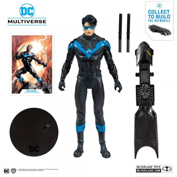 """Aus der Comicbuch-Reihe """"DC Rebirth"""" kommt diese detailreiche, bewegliche Actionfigur. Sie ist ca. 18 cm groß und wird mit weiterem Zubehör, Base und Sammelkarte in einer bedruckten Fensterbox geliefert.Jede Figur der """"Build A"""" Reihe enthält 1 von 3 zusät"""