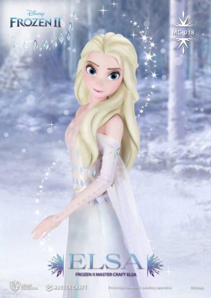 """Aus Beast Kingdom Toys' """"Master Craft""""-Reihe kommt diese großartige Statue aus hochwertigem Polystone und Fiberglas. Das im Maßstab 1/4 gehaltene Sammlerstück zeigt Elsa aus Disneys """"Die Eiskönigin 2"""" und wird mit ansprechender Base sowie Echtheitszertifi"""