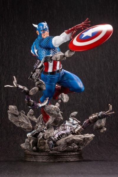 Aus Kotobukiya´s ´Marvel Classic Fine Art´-Reihe kommt diese detaillierte Resin-Statue von Captain America! Das hochwertige Sammlerstück im Maßstab 1/6 ist ca. 36 cm groß.